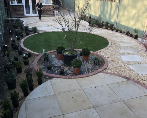 Small Family Garden in Kimpton